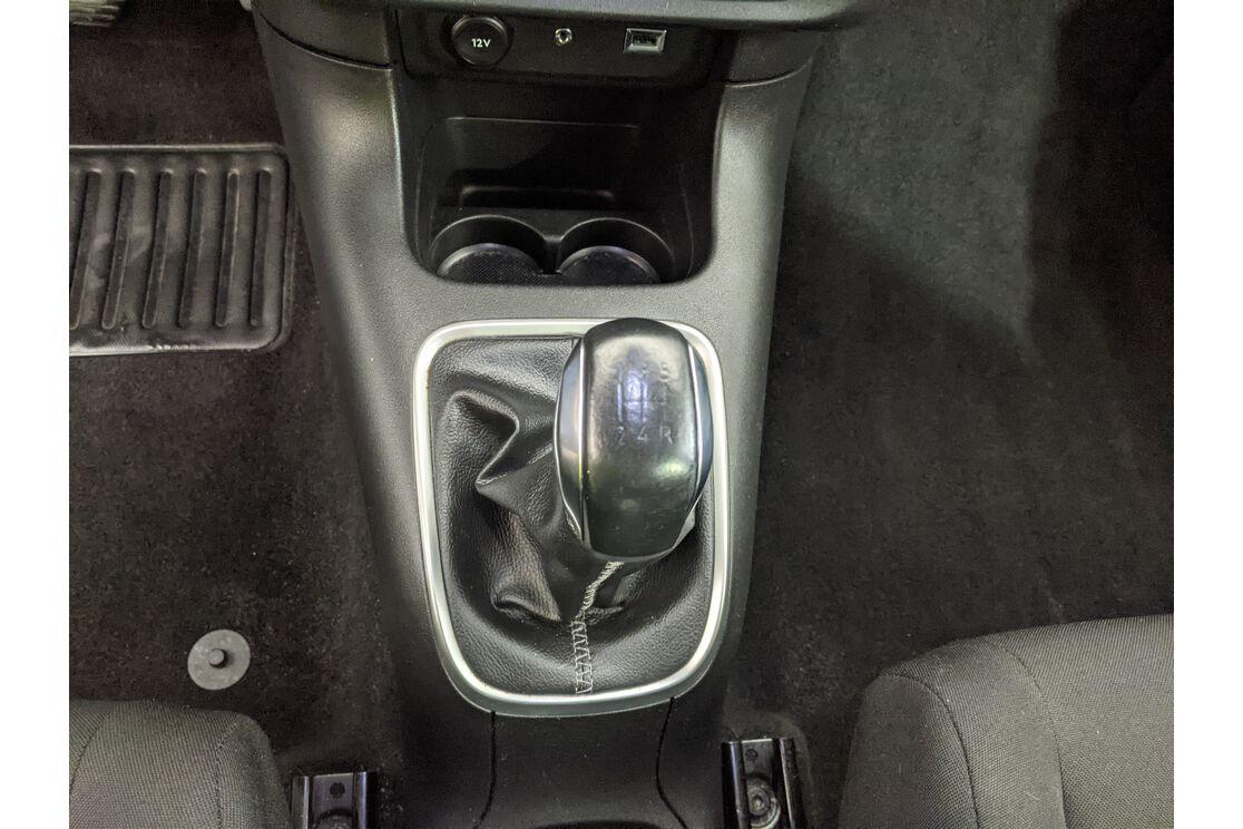 carDetails.imgAlt.highlight.10