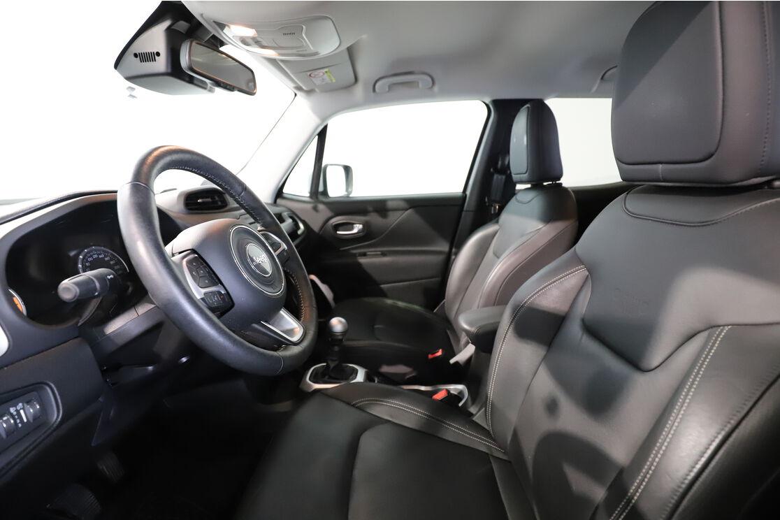 Intérieur côté conducteur 1