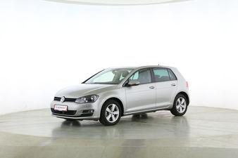 Volkswagen Golf VII 1.4 TSI Comfortline BlueMotion Tech Fahrerseite leicht seitlich von vorne, geschlossen