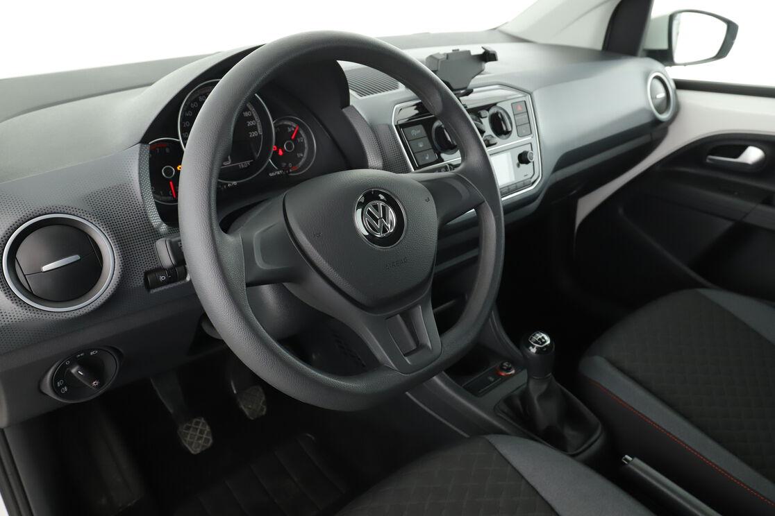 Innenraum auf der Fahrerseite 2