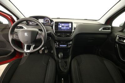 2016 Peugeot 208 1.2 VTi Allure Amaturenbrett