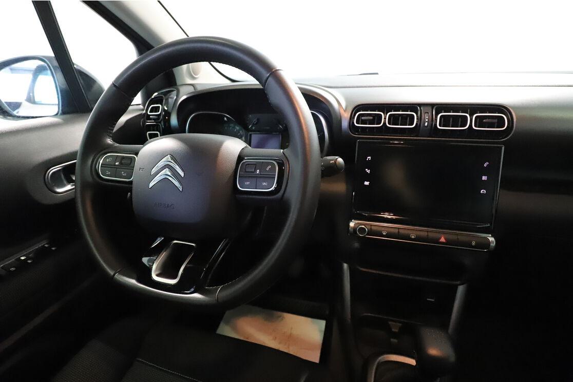 Intérieur côté conducteur depuis le siège arrière