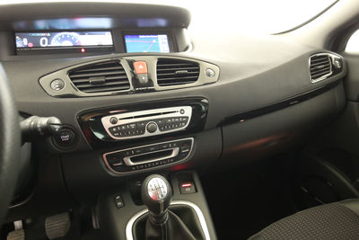 2011 Renault Scenic 1.4 TCE BOSE Edition Mittelkonsole