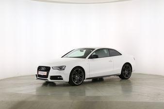 Audi A5 3.0 V6 TDI quattro Fahrerseite leicht seitlich von vorne, geschlossen