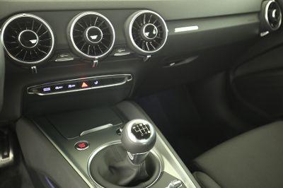 2015 Audi TT 1.8 TFSI Coupe Mittelkonsole