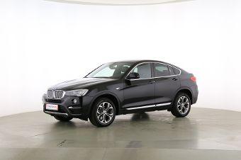 BMW X4 xDrive 30d Fahrerseite leicht seitlich von vorne, geschlossen