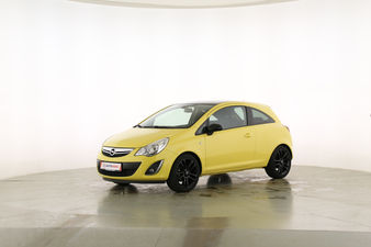 Opel Corsa 1.2 Color Edition Fahrerseite leicht seitlich von vorne, geschlossen
