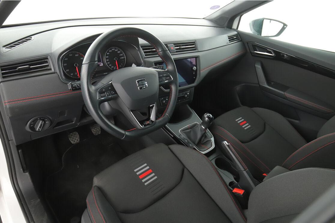 Intérieur côté conducteur 2