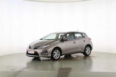 2013 Toyota Auris 1.6 START Edition Fahrerseite leicht seitlich von vorne, geschlossen