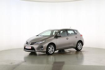 Toyota Auris 1.6 START Edition Fahrerseite leicht seitlich von vorne, geschlossen