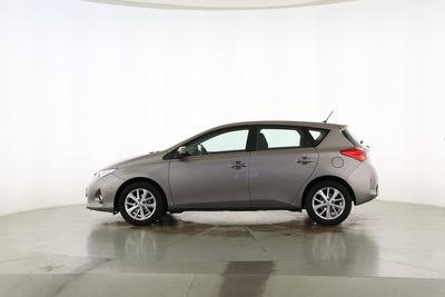 2013 Toyota Auris 1.6 START Edition von vorne, geschlossen
