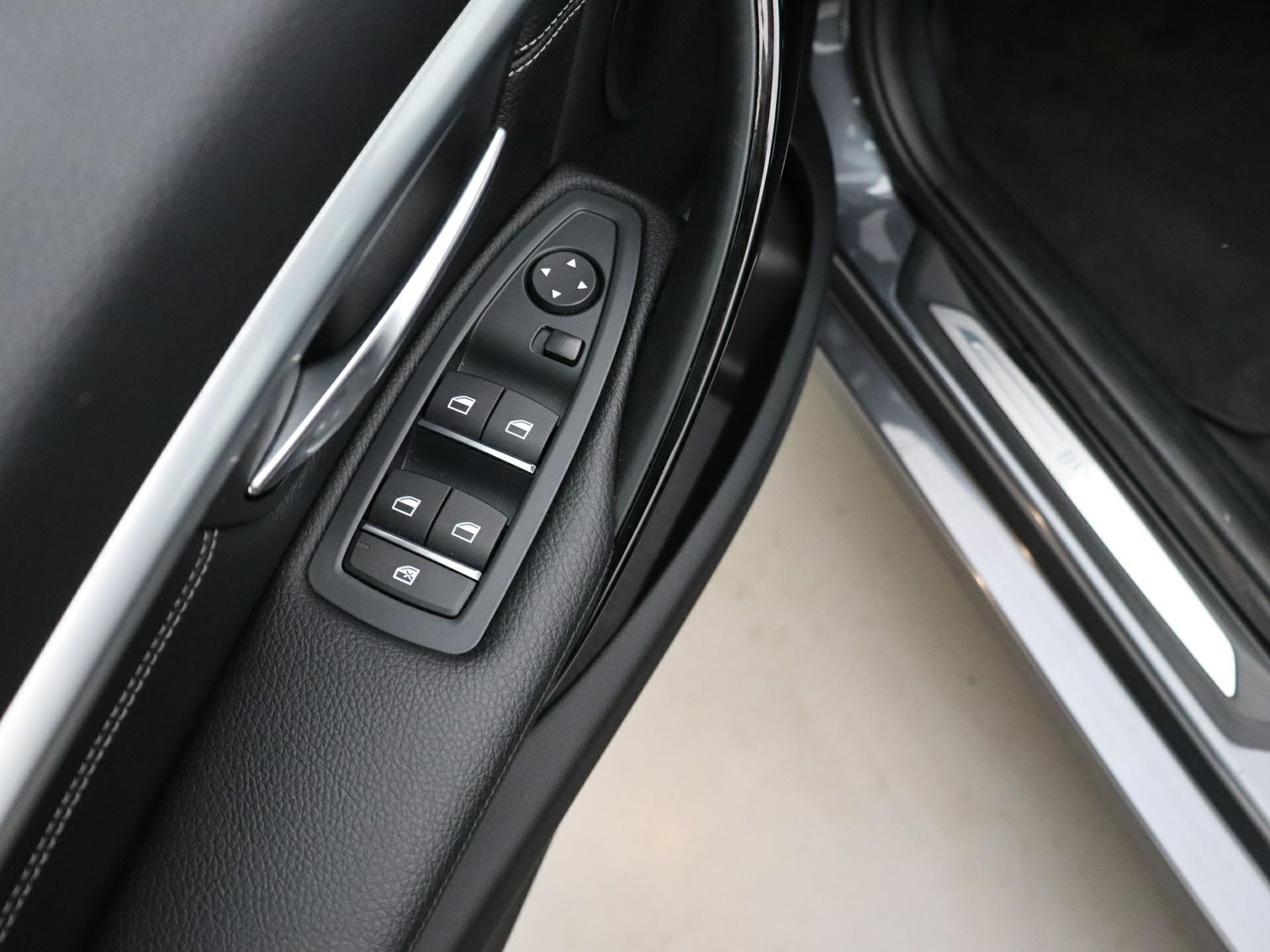 Highlight: multifunctioneel stuurwiel / cruise control