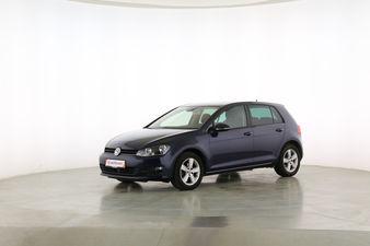 Volkswagen Golf VII 1.6 TDI DPF Comfortline BlueMotion Tech Fahrerseite leicht seitlich von vorne, geschlossen