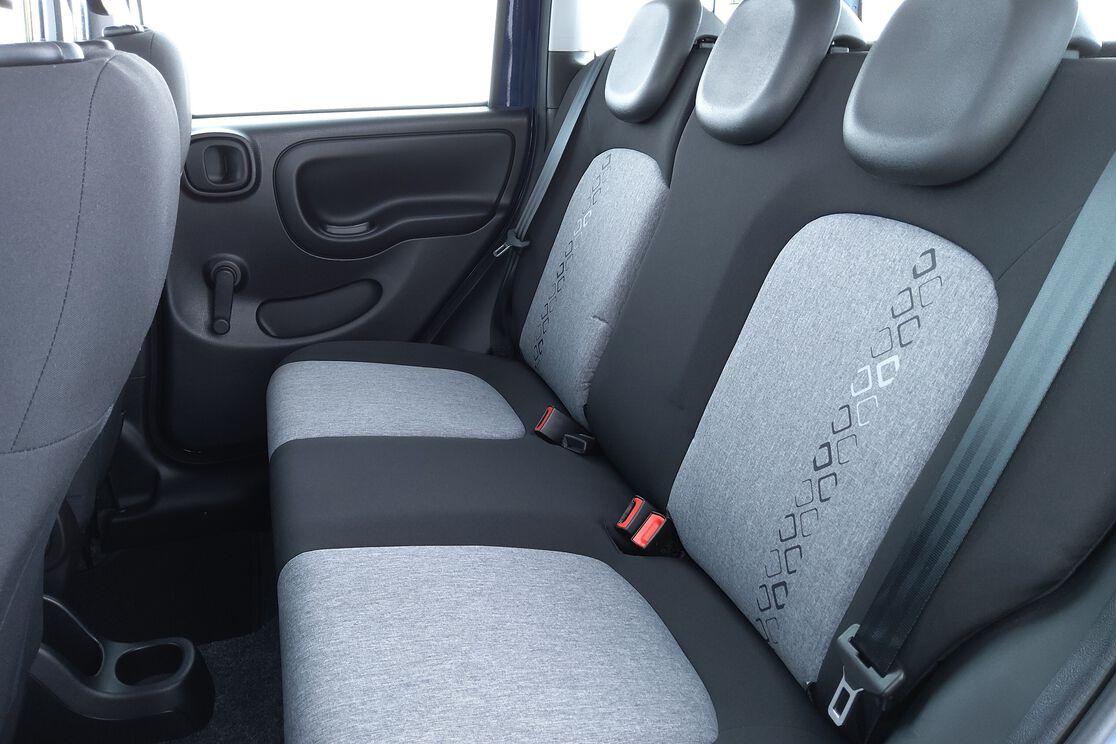 Innenraum Rücksitze Fahrerseite
