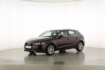 Audi A3 1.4 TFSI Attraction ultra  Fahrerseite leicht seitlich von vorne, geschlossen