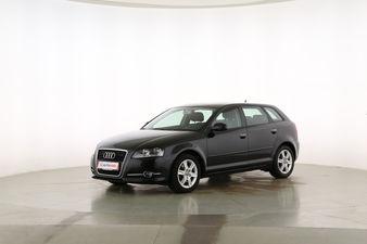 Audi A3 1.4 TFSI Attraction Fahrerseite leicht seitlich von vorne, geschlossen