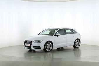 Audi A3 2.0 TDI S-Line Fahrerseite leicht seitlich von vorne, geschlossen